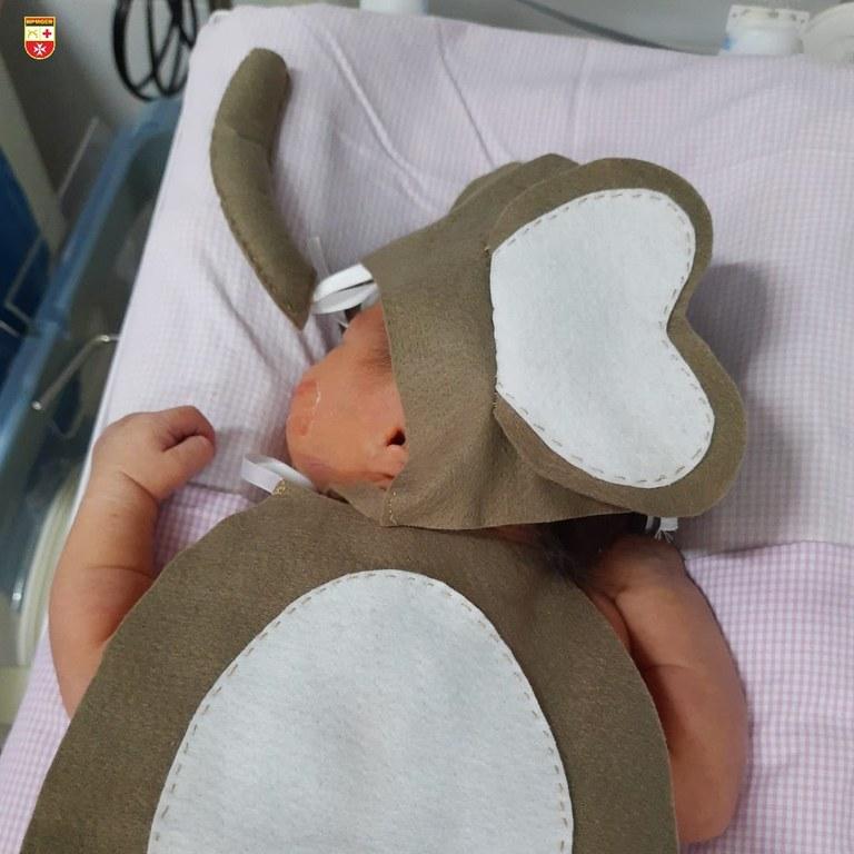 crianca 2 - DIA DAS CRIANÇAS: Recém-nascidos da UTI usam fantasias para celebrar a data - VEJA FOTOS