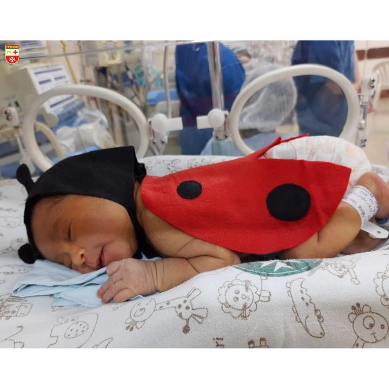 crianca 4 - DIA DAS CRIANÇAS: Recém-nascidos da UTI usam fantasias para celebrar a data - VEJA FOTOS
