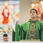 eb104e70 e609 11ea a59f 2acffbb66918 - INVESTIGAÇÕES: como uma diarista e um carpinteiro doaram R$3 milhões ao padre Robson