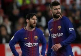 Elenco do Barcelona não aceita redução salarial e comunica diretoria; clima entre Messi e Piqué também não é bom