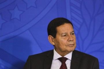 Estados 'têm recurso também' e podem comprar vacina chinesa, diz Mourão