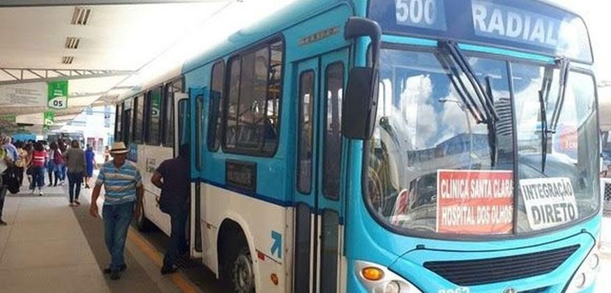 Transportes coletivos terão redução de 30% da frota e ruas serão interditadas no feriado de Finados