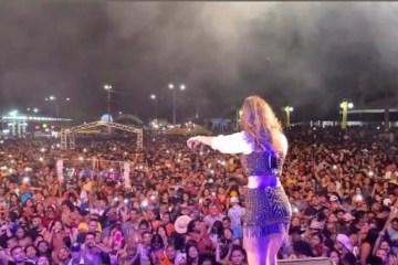 show mariana fagundes - Show de cantora reúne multidão sem máscara em cidade do Pará