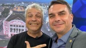sikera e flavio bolsonaro 300x169 - Flávio Bolsonaro usou verba pública para participar de programa de Sikêra Jr.