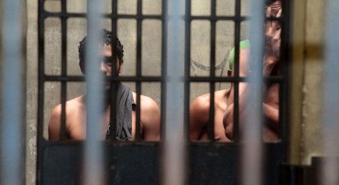 sistema prisional tem mais de 773 mil detentos 21022020170342773 - Detentos e policiais são infectados em surto de covid-19 na cadeia de Piancó