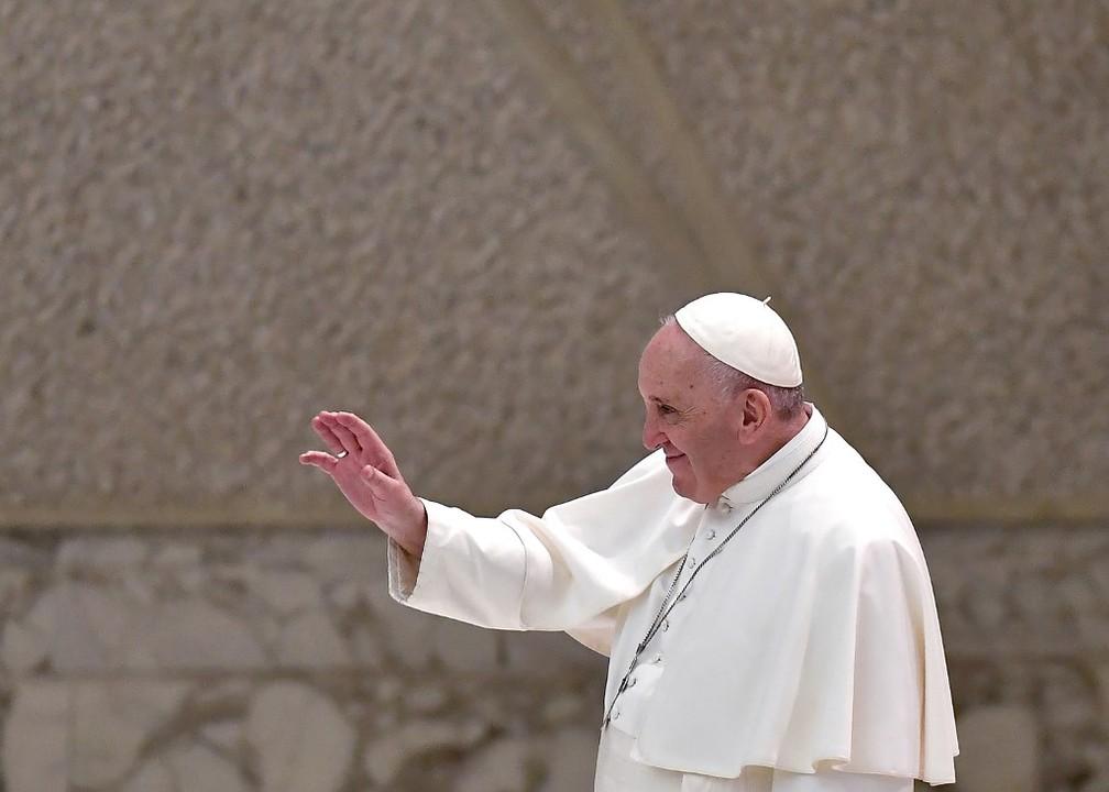 000 8tz8f8 - Vaticano diz que fala do Papa sobre união civil gay não muda posição da Igreja