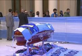 ASSISTA AO VIVO: corpo de Maradona é velado em Buenos Aires