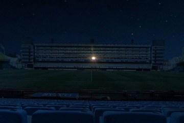 Luz do camarote de Maradona foi a única a iluminar La Bombonera durante a noite