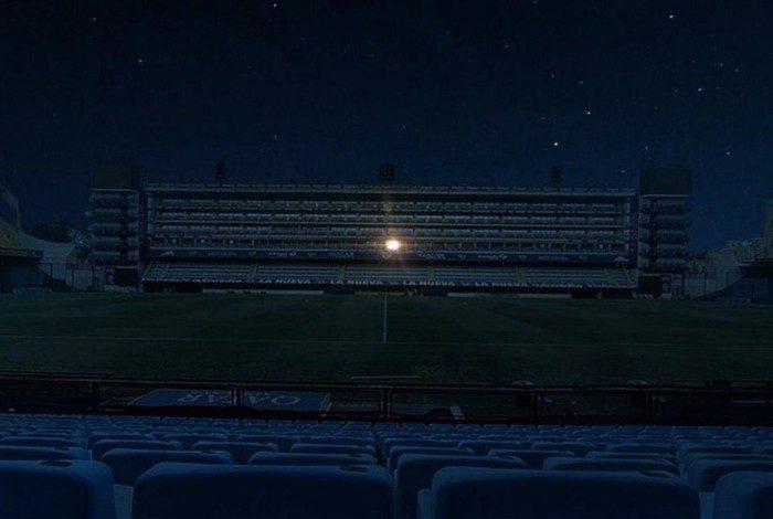 1 boca juniors 20589164 - Luz do camarote de Maradona foi a única a iluminar La Bombonera durante a noite