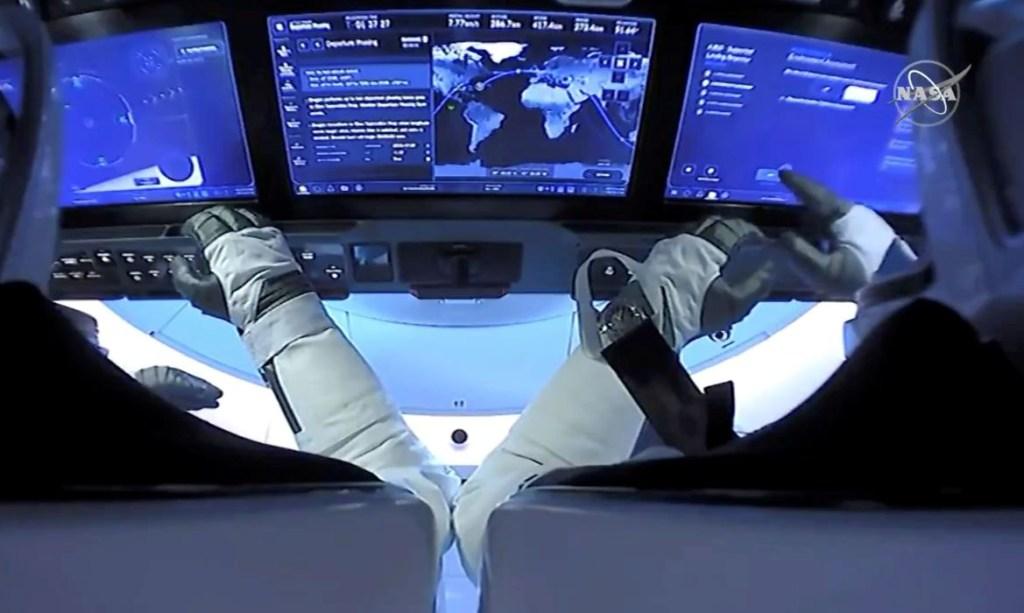 2020 08 03t000826z 896189979 rc2t5i9kwc75 rtrmadp 3 space exploration spacex 1024x613 - Cápsula Dragon da SpaceX chega à Estação Espacial Internacional