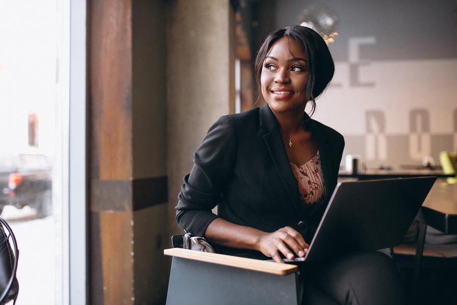 FOTO 1 1 - Consciência Negra: internet ecoa vozes que ajudam no combate ao racismo