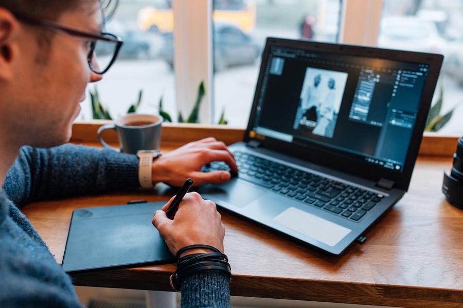 FOTO 2 - Designers usam jogo de cintura para driblar preconceito com profissão