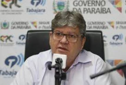 """João - """"Estamos abertos ao diálogo; abertos para receber qualquer prefeito eleito"""", destaca João Azevêdo após eleições na Paraíba"""
