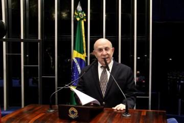 Suassuna defende no MEC a liberação de R$ 10 milhões para qualificação de jovens e adultos