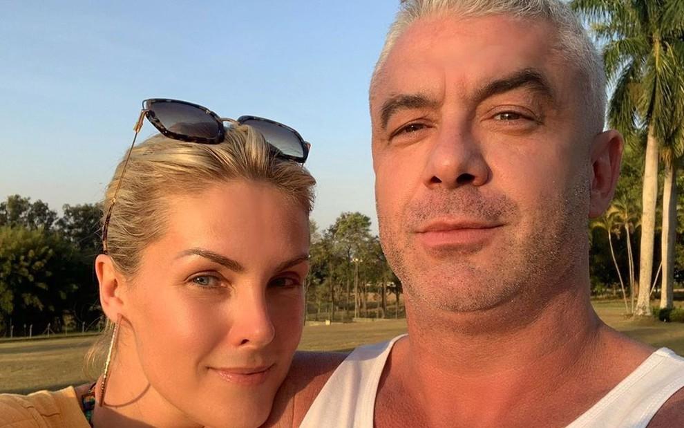 """ana hickmann alexandre correa - Marido de Ana Hickmann revela que está com câncer: """"Tumor grande em metástase"""" - VEJA VÍDEO"""