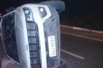 Carro de Cida Ramos capota após colidir em outro veículo, em João Pessoa