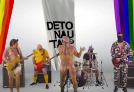 Detonautas debocha de fake news bolsonaristas em nova música didática; ouça 'Kit Gay'
