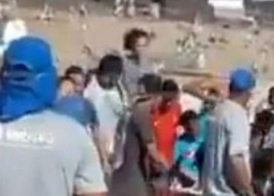 imagem 2020 11 04 214730 - Multidão disputa oferenda de R$ 15 mil deixada em cemitério - VEJA VÍDEO