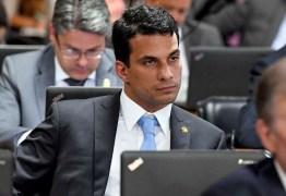 Senador Irajá Silvestre é acusado de estupro por modelo de 22 anos
