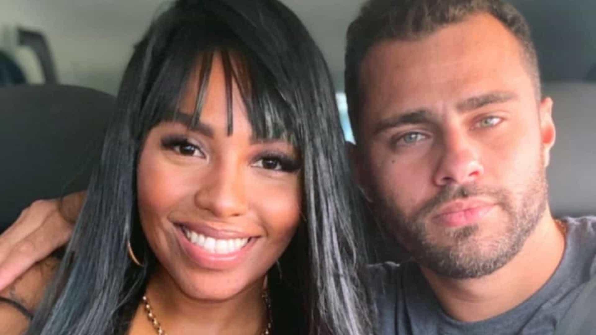 """naom 5fbe433ec7424 - """"Cenas fortes e revoltantes"""": cantora gospel é agredida pelo marido dentro de shopping; irmão da vítima denuncia - VEJA VÍDEO"""