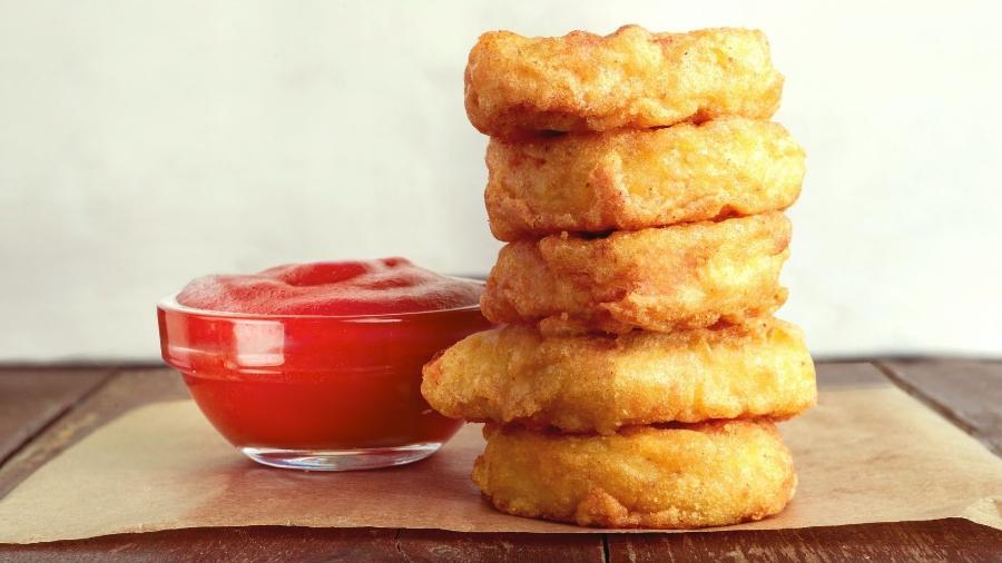 nuggets - Babá dá frango a crianças vegetarianas e mãe pede R$ 1,6 mil de indenização