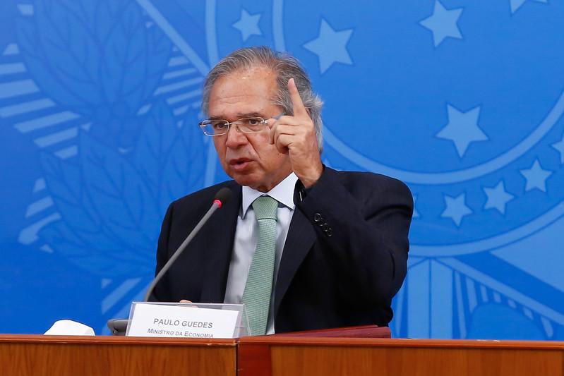 """paulo guedes - """"Vamos derrubar dívida pública em 2021 com privatizações"""", diz Paulo Guedes"""