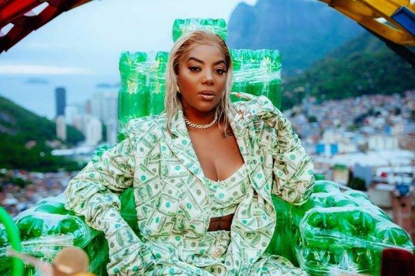 rainha da favela 1 600x400 1 - Ludmilla fala sobre ataques racistas: 'Ódio gratuito não vai me vencer'