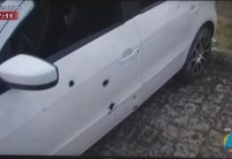 Homem sai para comemorar vitória do irmão e tem carro atingido por mais de 20 tiros na PB