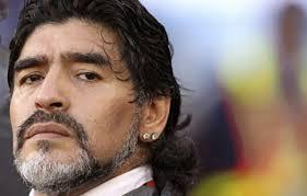 transferir 4 - Cirurgia cerebral de Maradona foi bem sucedida, informa imprensa argentina
