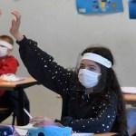 volta as aulas aluno mascara 700x375 1 - Aulas presenciais da rede particular retornam com 50% da capacidade em João Pessoa