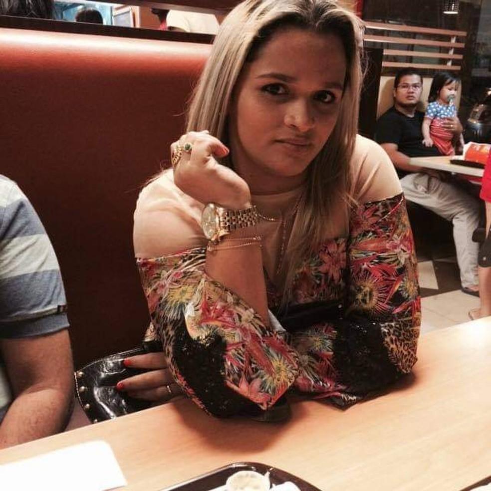 whatsapp image 2020 11 24 at 11.38.57 1  - Família de brasileira morta na Guiana Francesa faz vaquinha para repatriar corpo e reclama de falta de apoio do governo