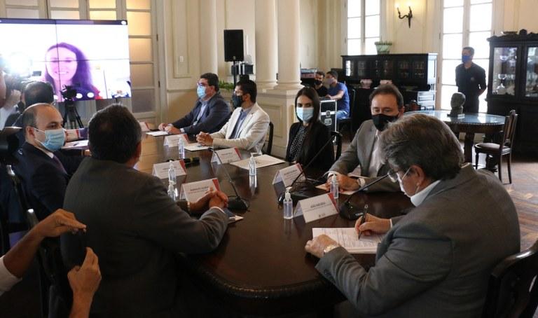 13d52da3 ec4d 48e2 8da8 3a138a5c7523 - João Azevêdo assina contrato com Banco Mundial e assegura investimentos de US$ 207 milhões na infraestrutura hídrica