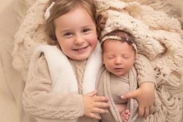 Bebê bate recorde ao nascer de embrião que estava congelado há 27 anos