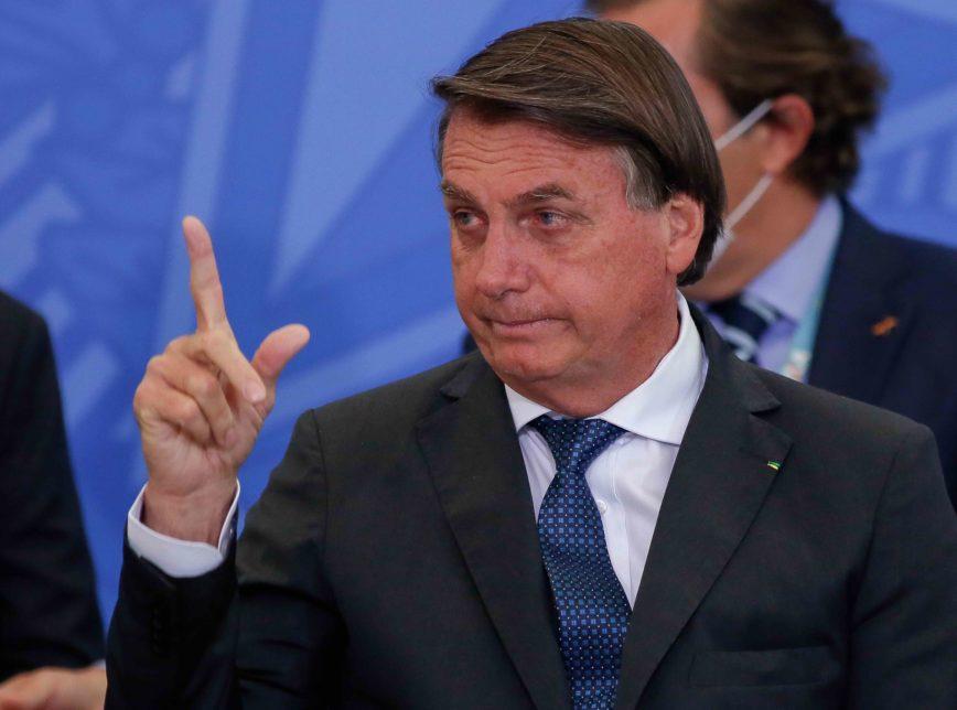 BOZO 3 - Bolsonaro sanciona Lei de Diretrizes Orçamentárias para 2021; previsão de rombo é de R$ 247 bi