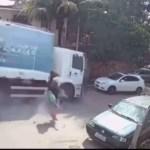 Capturar.JPGeee - Caminhão desgovernado atinge carro e deixa motorista ferido - VEJA VÍDEO
