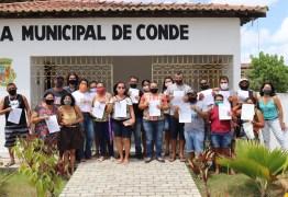 Márcia Lucena entrega termos de permissão para 21 comerciantes que vão trabalhar em boxes no Centro reurbanizado