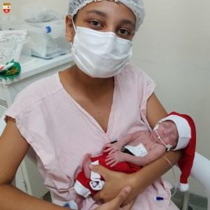 WhatsApp Image 2020 12 21 at 21.40.53 300x300 - Bebês de UTI neonatal fazem ensaio fotográfico para o Natal
