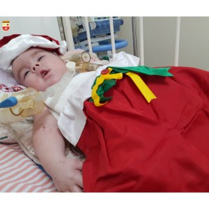 WhatsApp Image 2020 12 21 at 21.40.54 1 300x300 - Bebês de UTI neonatal fazem ensaio fotográfico para o Natal