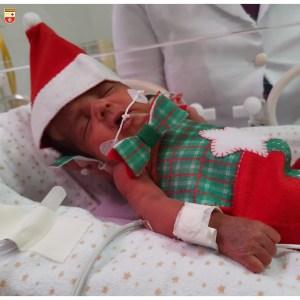 WhatsApp Image 2020 12 21 at 21.40.55 3 300x300 - Bebês de UTI neonatal fazem ensaio fotográfico para o Natal