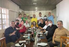 ACORDO MANTIDO! 16 vereadores reafirmam apoio aos nomes de Dinho e Bruno Farias para 2 biênios