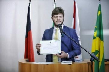 bruno cunha lima diplomacao - FILA DA VACINA: médica denuncia Bruno Cunha Lima ao MP; prefeito é acusado de permitir que aliados furem a fila da vacinação contra Covid-19 em CG
