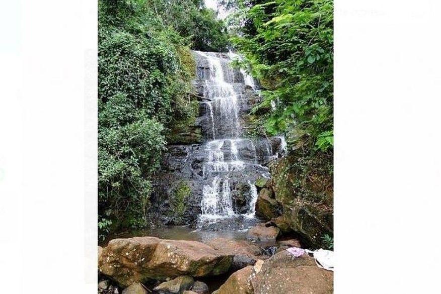 cachoeira - Jovem morre depois de tirar selfie e cair de cachoeira com mais de 10 metros