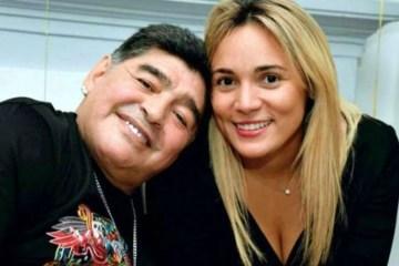 Maradona apanhava de namorada e era roubado, diz TV argentina
