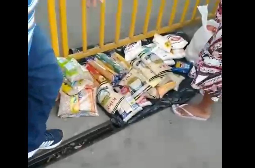 cestas básicas 2 - Vídeo mostra supostos venezuelanos vendendo cestas básicas doadas pela PMJP, na feira de Oitizeiro