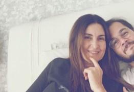 Túlio Gadelha posta foto com Fátima Bernardes após cirurgia, e revela que está doente