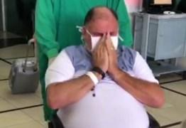 Empresário cajazeirense se recupera da Covid-19 e chora após receber alta – VEJA VÍDEO