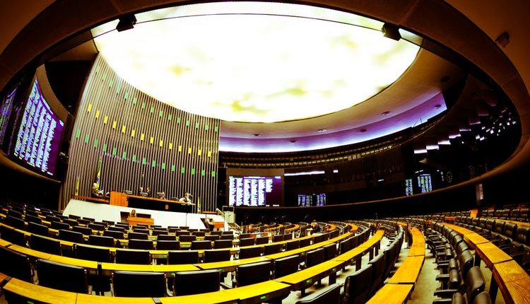 img201511171136424180207 750x430 1 - Eleição de prefeitos abre 11 vagas na Câmara; Veja quem assume