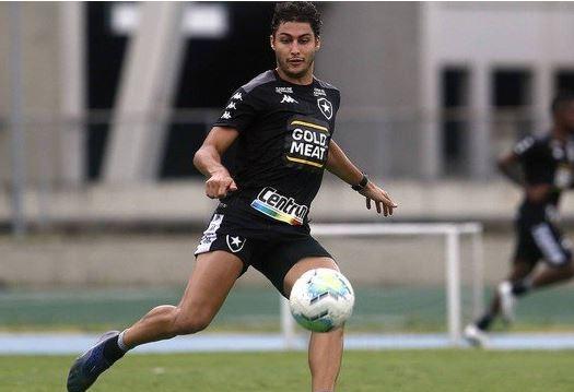 joga - Há um dia de deixar o Botafogo, Marcinho é suspeito de atropelar casal e fugir; homem morreu