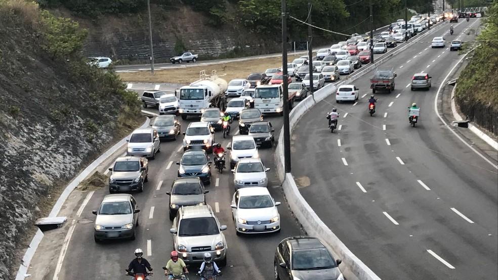 transito ficou intenso apos acidente na av. pedro ii em joao pessoa - FERIADÃO: PRF aponta estradas para Natal, Campina Grande e Recife como pontos de trânsito intenso