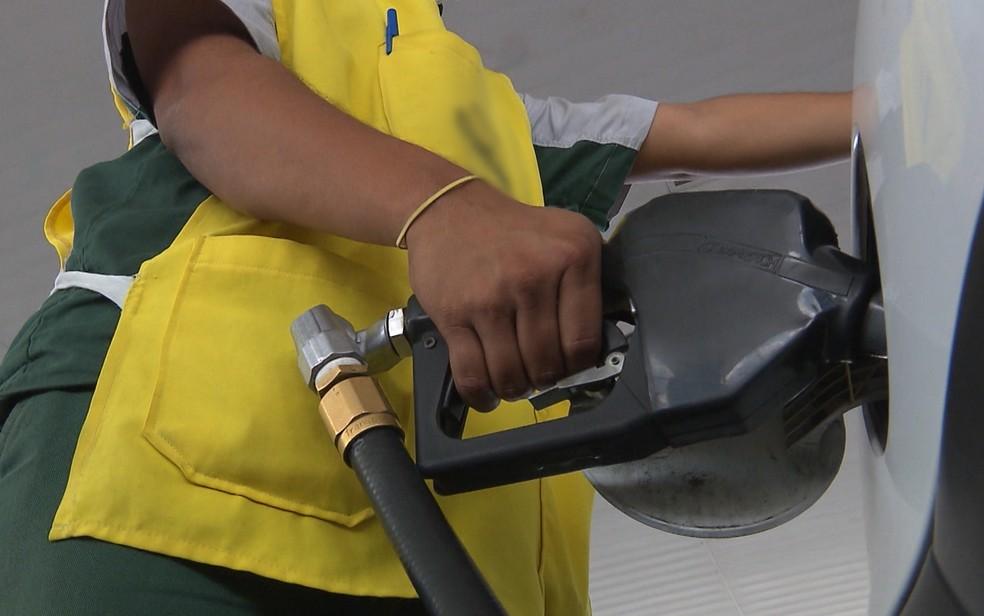 variacao postos - Bandidos roubam R$200 mil, após render vigilantes e arrombar cofre de posto de combustíveis, em João Pessoa